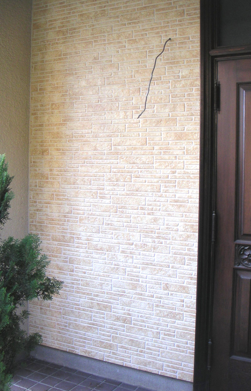 玄関脇サイディング